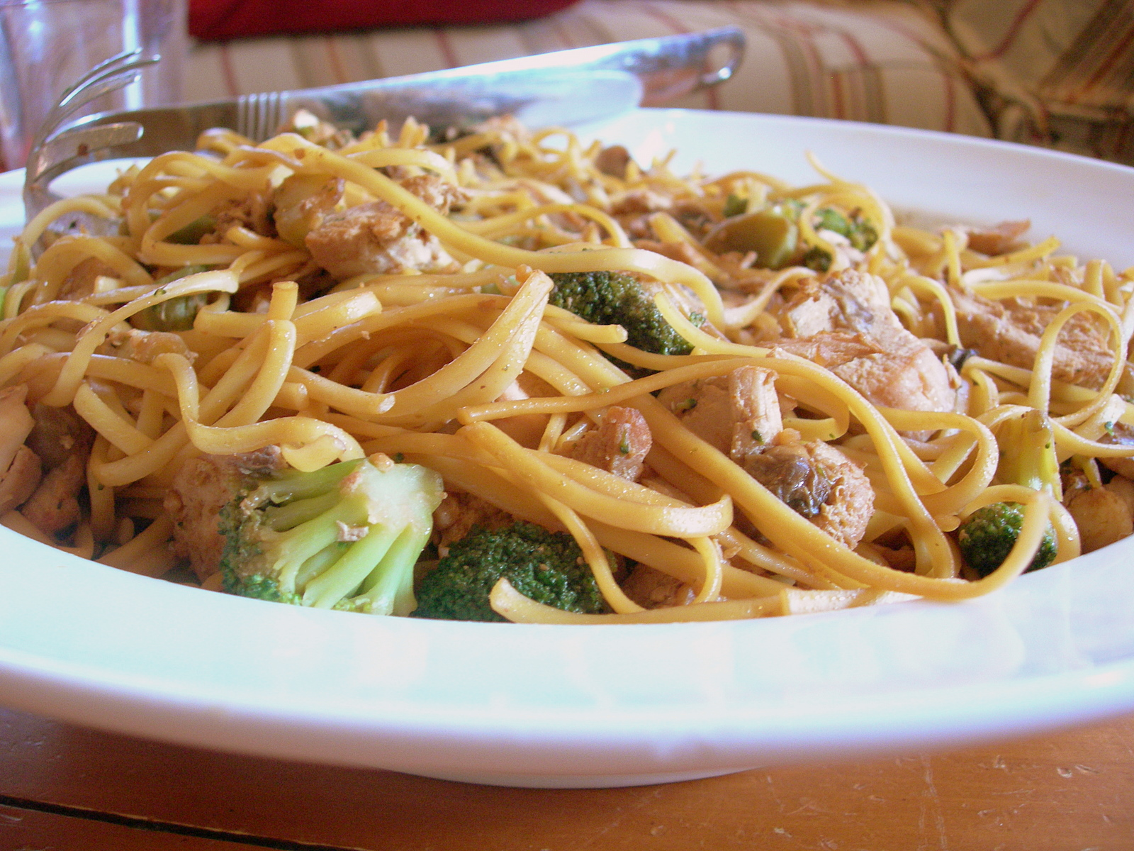 The Aldi Queen: MomAdvice.com » Chicken Broccoli Lo Mein