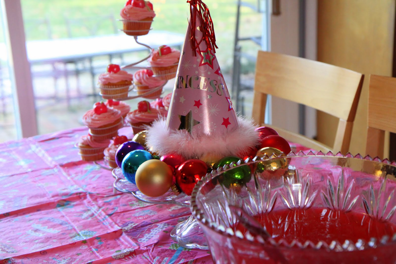 Christmas Birthday Party Ideas Part - 34: Christmas Birthday Party Decorations