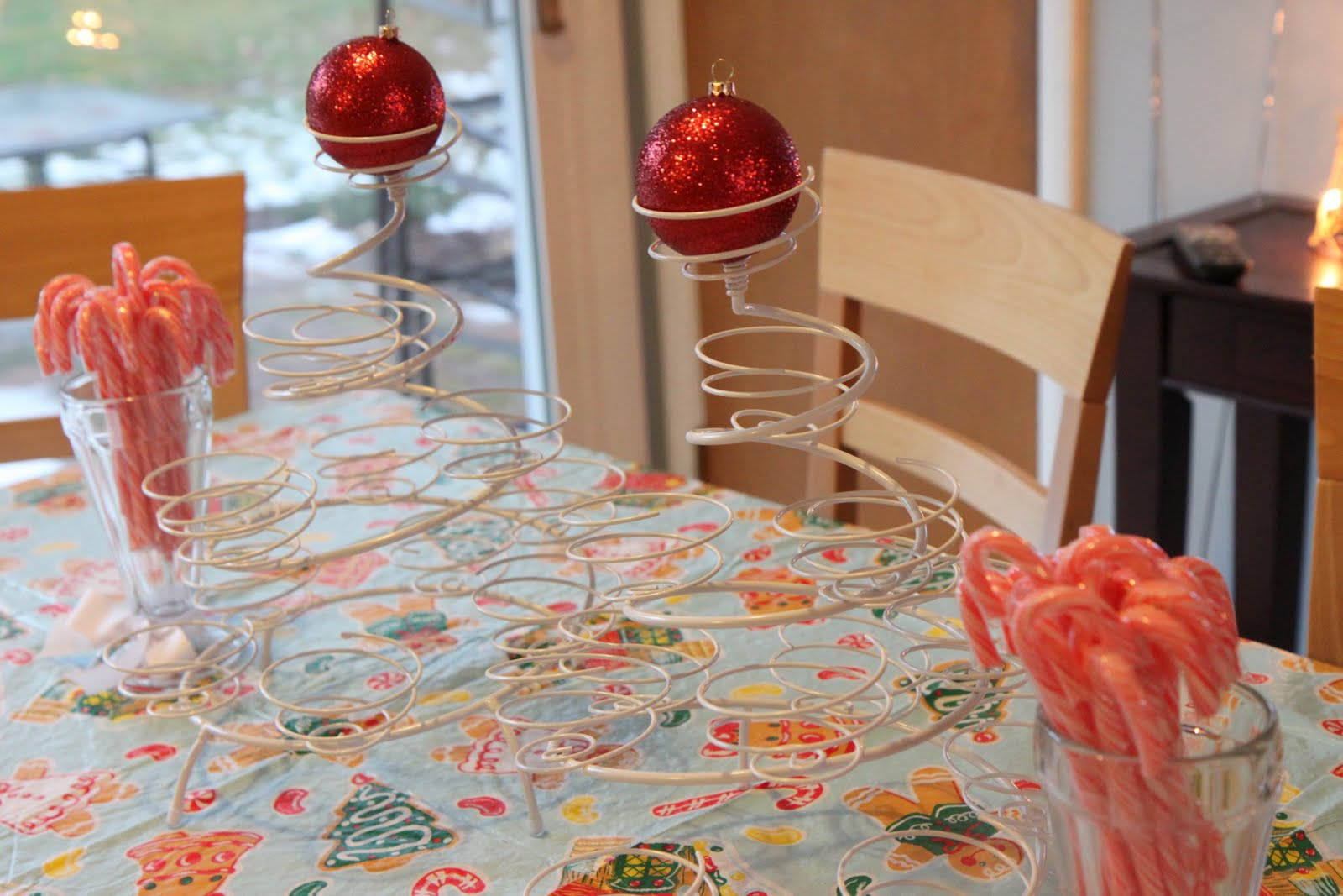 Our Thrifty (And Holiday-Inspired) Birthday Party - MomAdvice