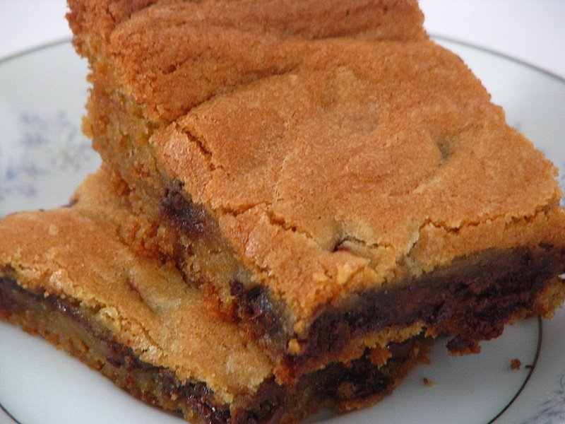 Chocolate Chip Cookie Bars - MomAdvice
