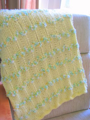Baby Hand Knitted Pram Cot Blanket Leaf Pattern Pale Lemon