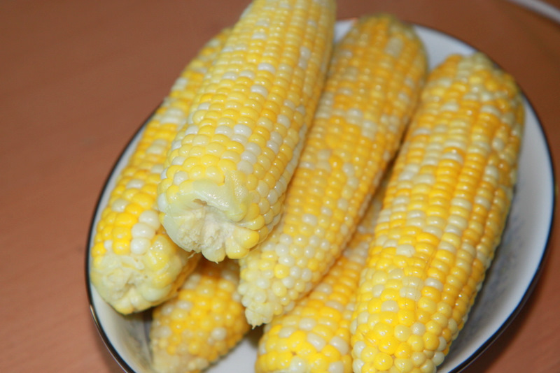 How long do you boil sweet corn on the cob