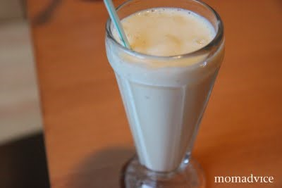 Thrifty Breakfast: Banana Cream Pie Smoothies