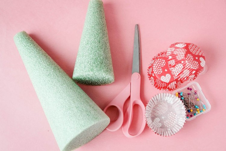 Easy Cupcake Liner Holiday Trees Supplies