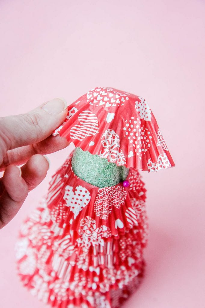attaching top cupcake liner to tree
