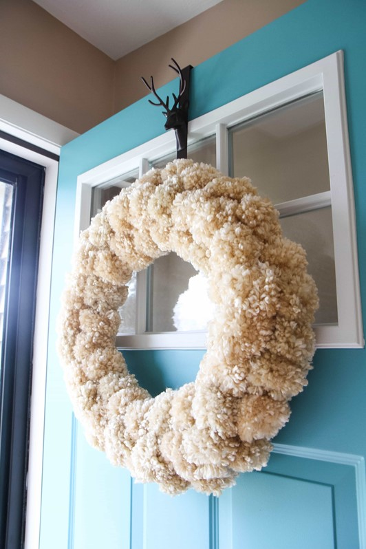 How to Make a Yarn Pom-Pom Wreath